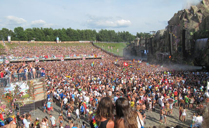 Tomorrowland festival disaster What A Crowd What A Stage Tomorrowland 2013 In Photos